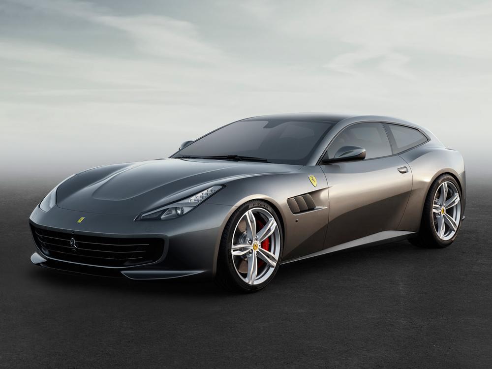 Ferrari_GTC4Lusso_fr_3_4_LR.jpg
