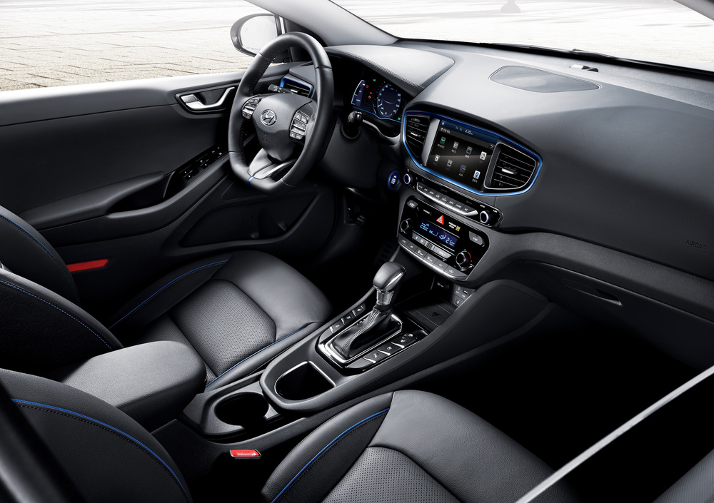 IONIQ-A-Leap-Forward-for-Hybrid-Vehicles_interior.jpg
