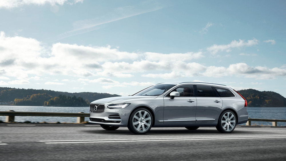 175260_Volvo_V90_Location_F.jpg