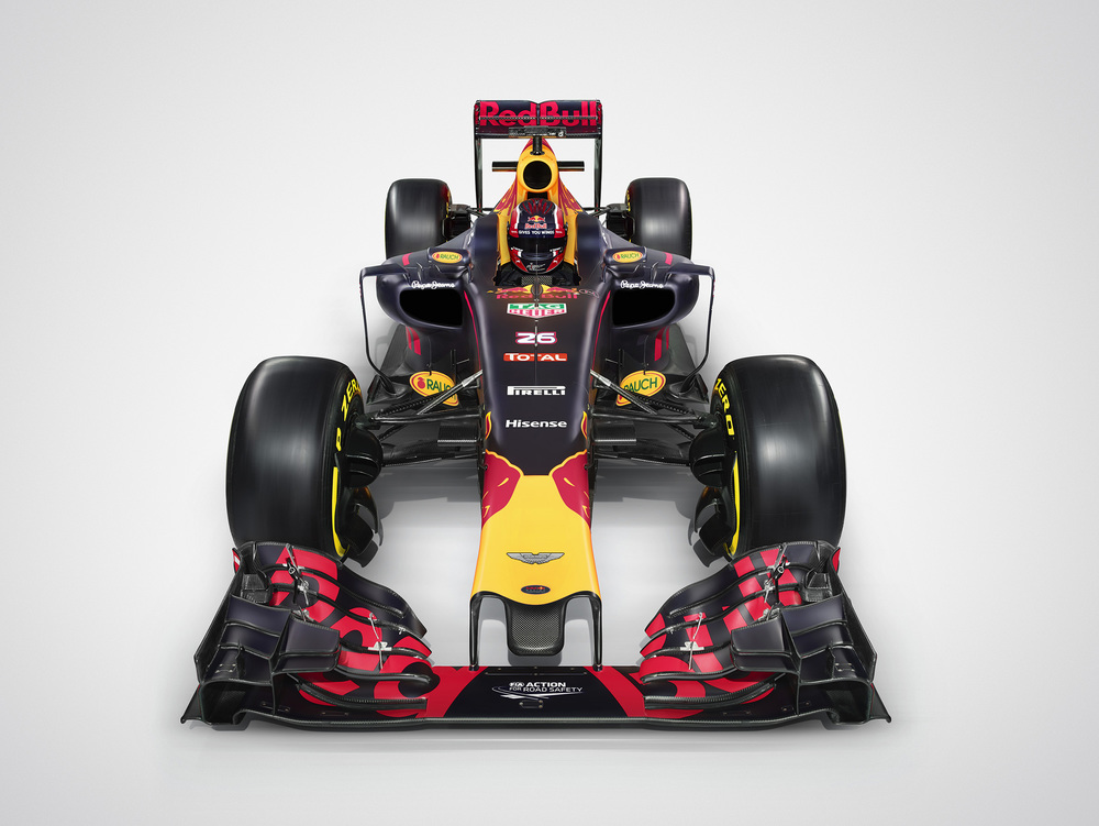 RB12_HighFront_Kvyat_01.jpg