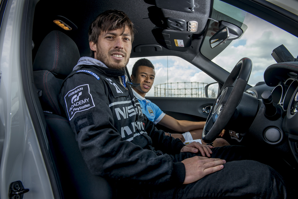 Man.City Players drive 044.JPG