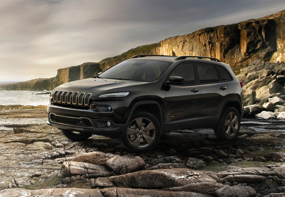 160224_Jeep_Cherokee_75th_Anniversary_01.jpg