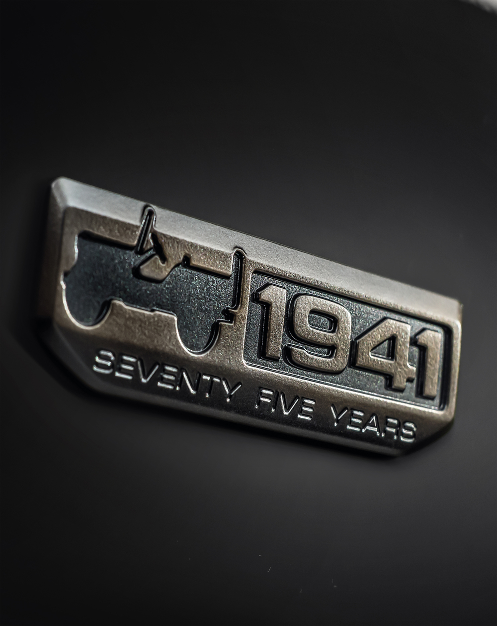 160224_Jeep_Badge_75th_Anniversary_01.jpg