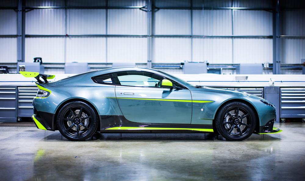 Aston Martin_Vantage GT8_03.jpg