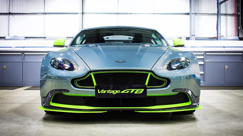 Aston Martin_Vantage GT8_04.jpg