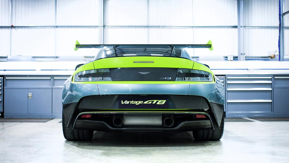 Aston Martin_Vantage GT8_05.jpg