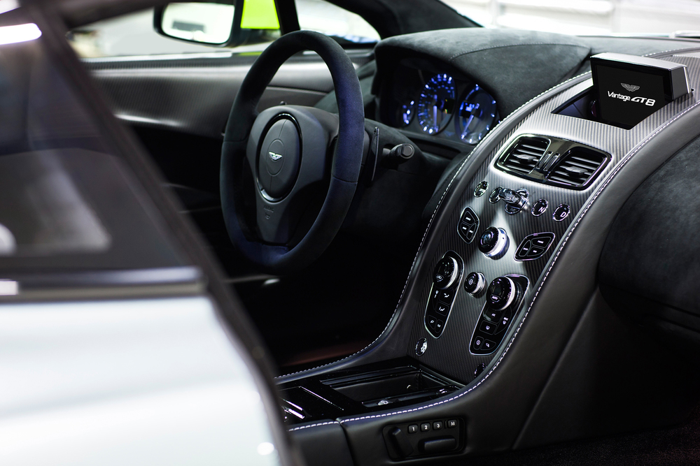Aston Martin_Vantage GT8_11.jpg