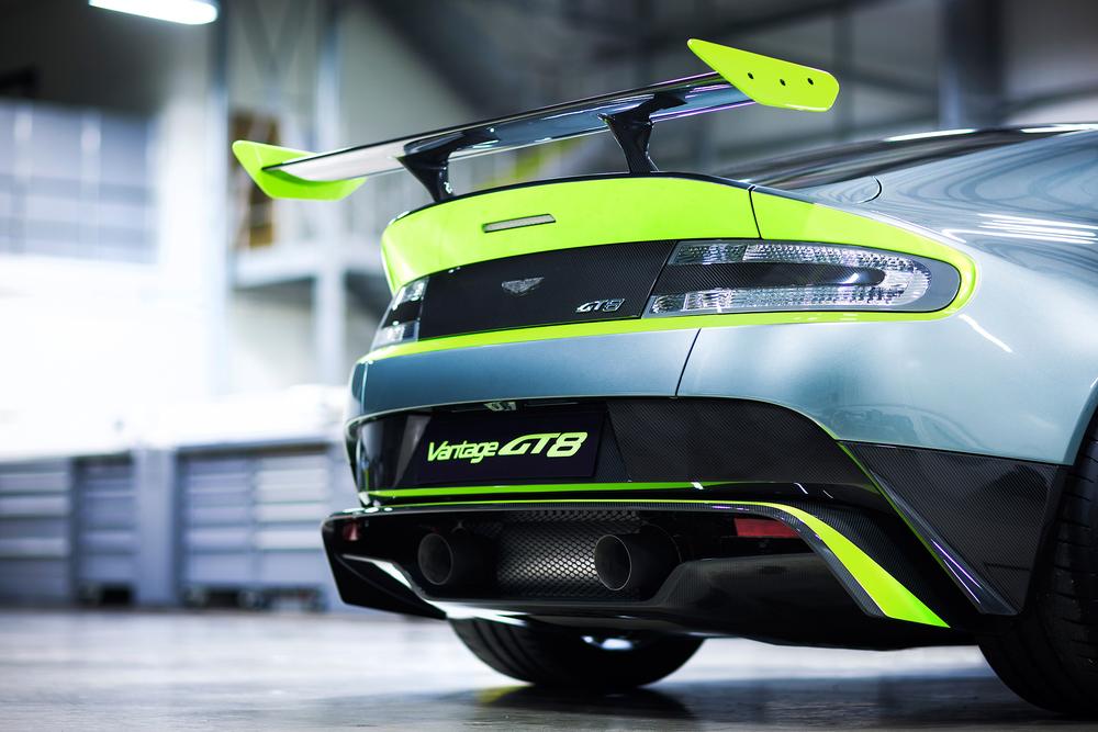 Aston Martin_Vantage GT8_08.jpg