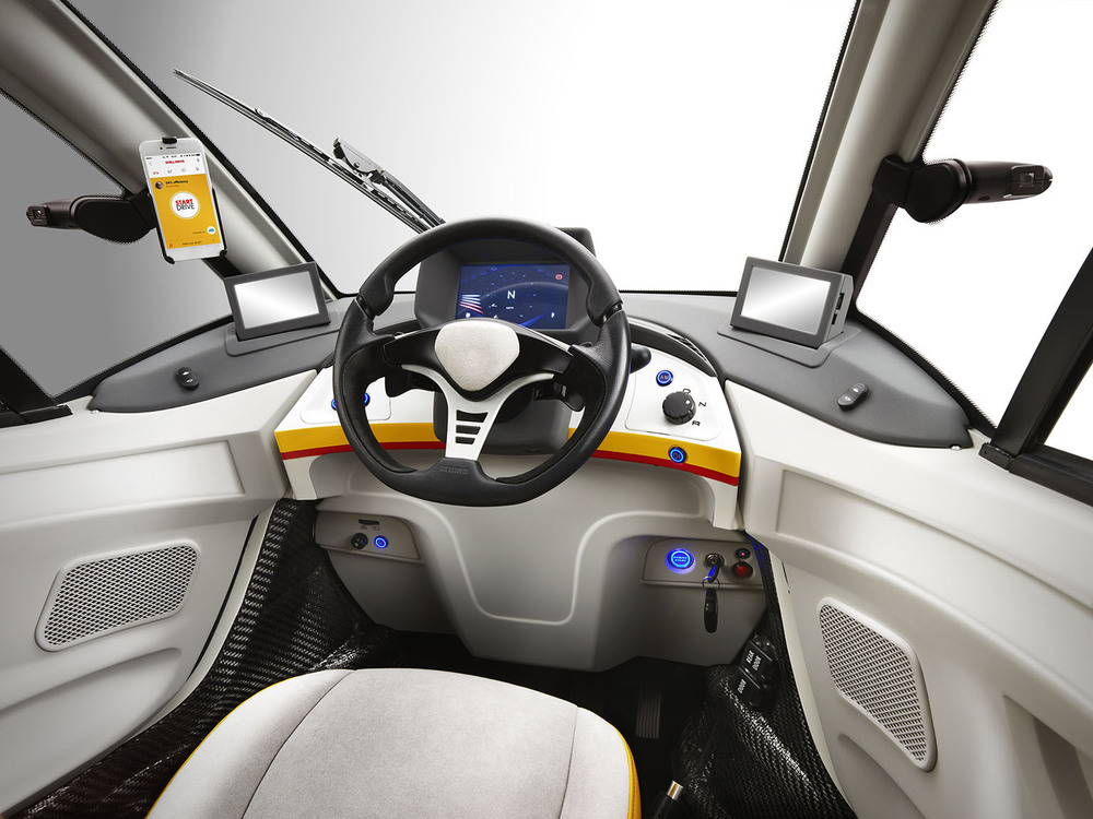 Shell Concept Car_Dashboard - 5MB.jpg