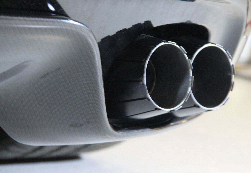Jaguar-F-Type-exhaust-trim.jpg