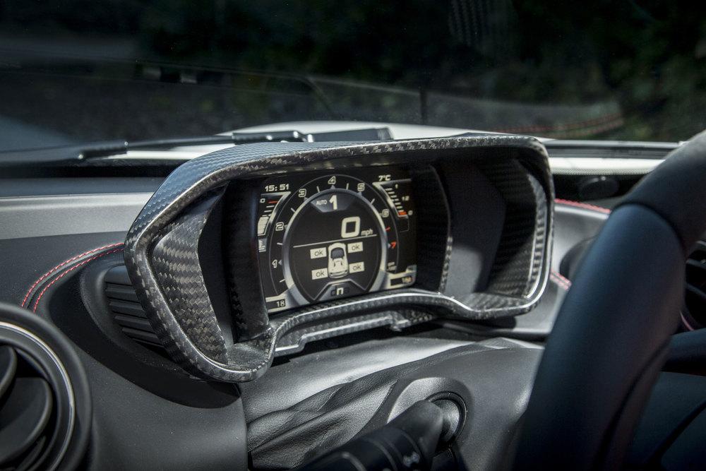 8-Alfa-Romeo-4C-Spider-50th-Anniversary-Limited-Edition---Dashboard.jpg