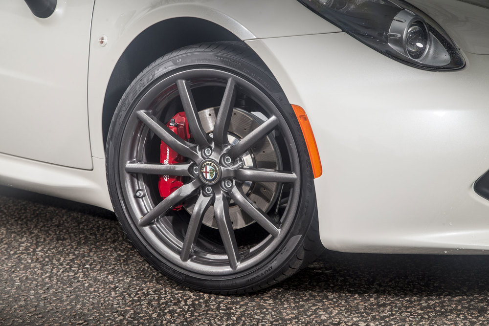 5-Alfa-Romeo-4C-Spider-50th-Anniversary-Limited-Edition---Alloys-and-callipers.jpg