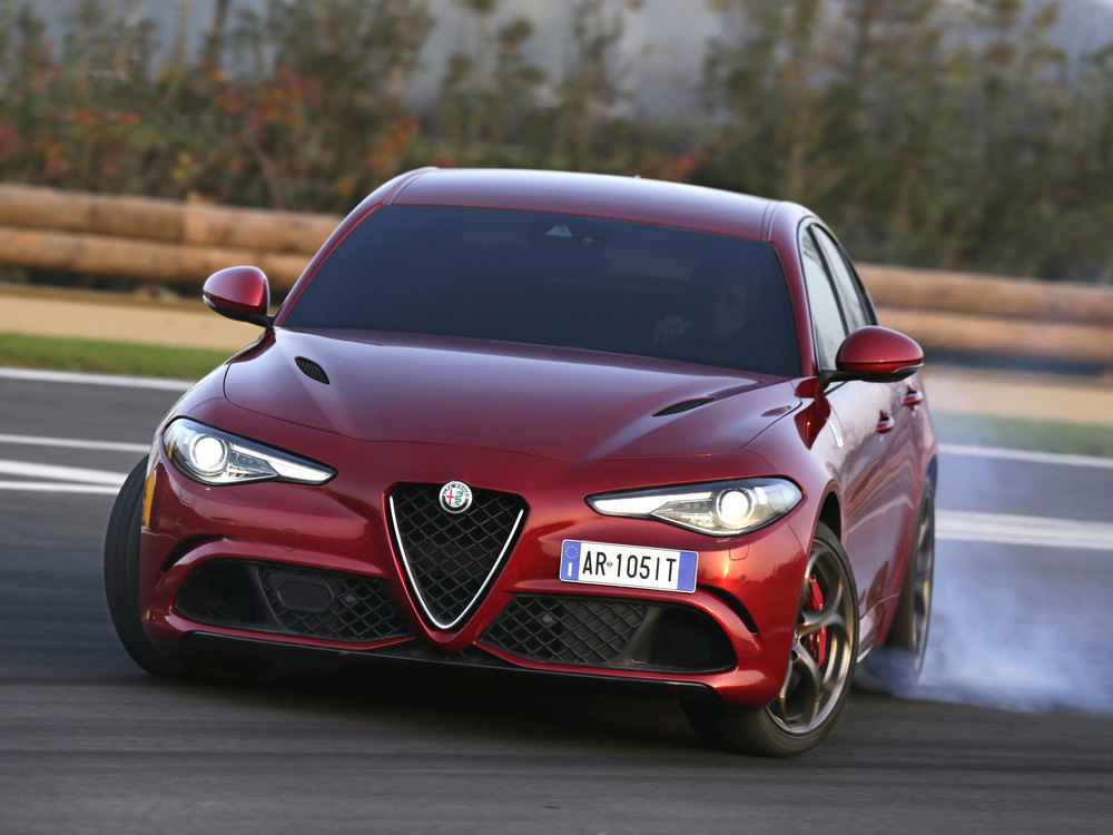 Alfa-Romeo_Giulia-Quadrifoglio_07.jpg