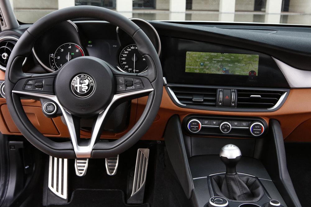 Alfa-Romeo_Giulia_29.jpg
