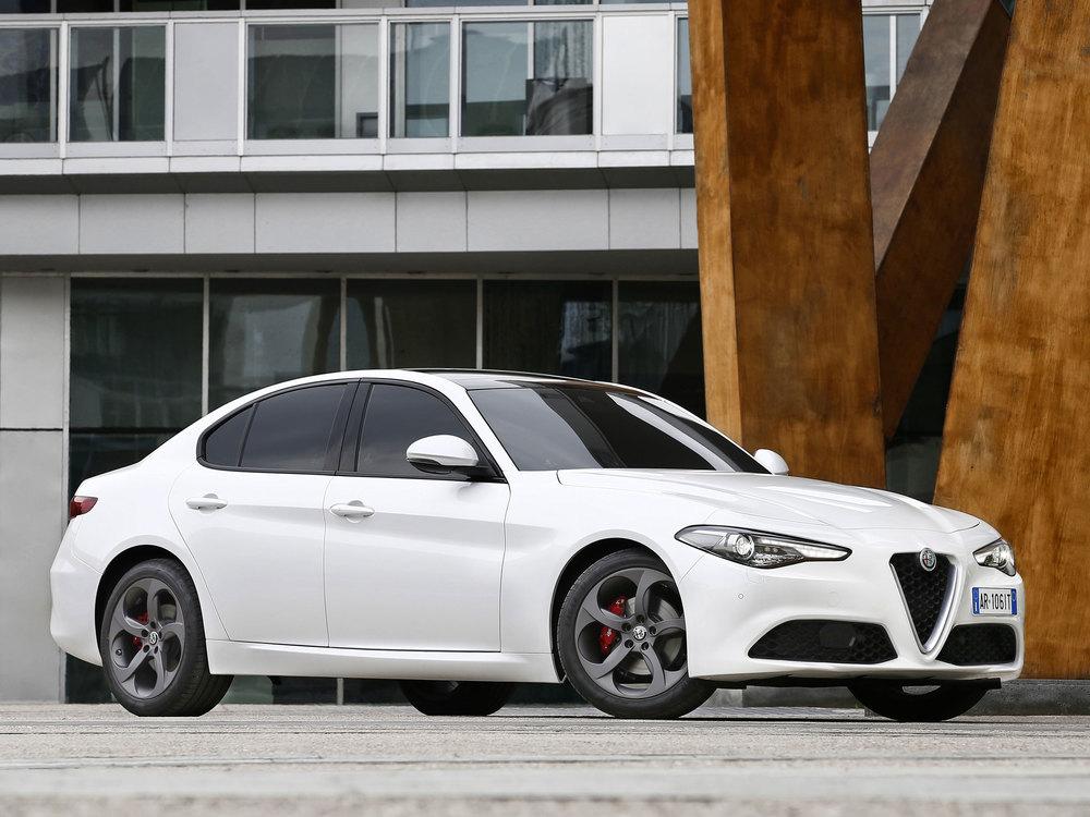 Alfa-Romeo_Giulia_03.jpg