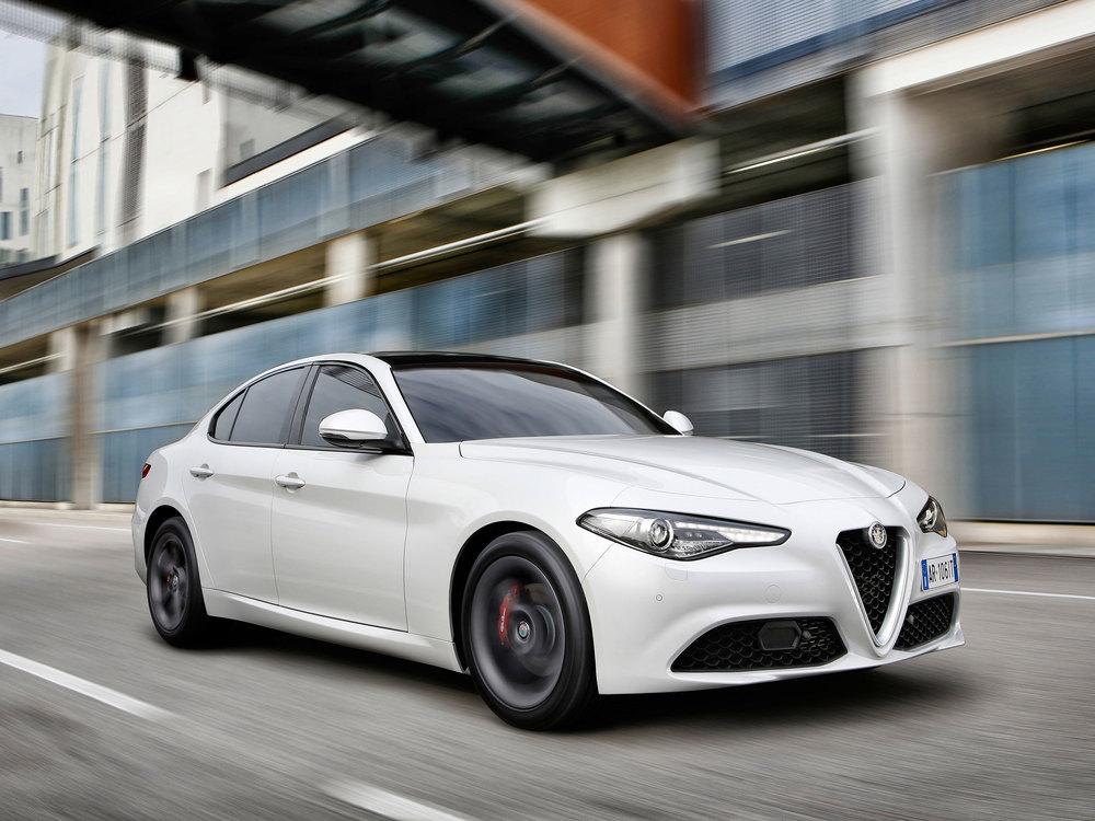Alfa-Romeo_Giulia_16.jpg