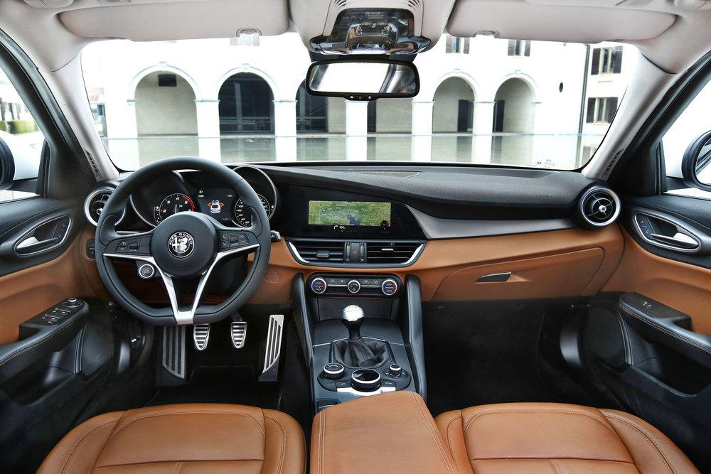 Alfa-Romeo_Giulia_28.jpg