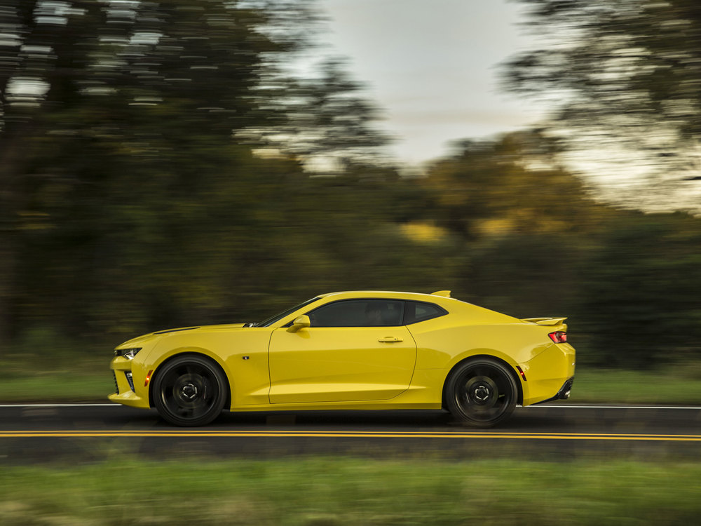 2016-Chevrolet-Camaro-SS-045.jpg