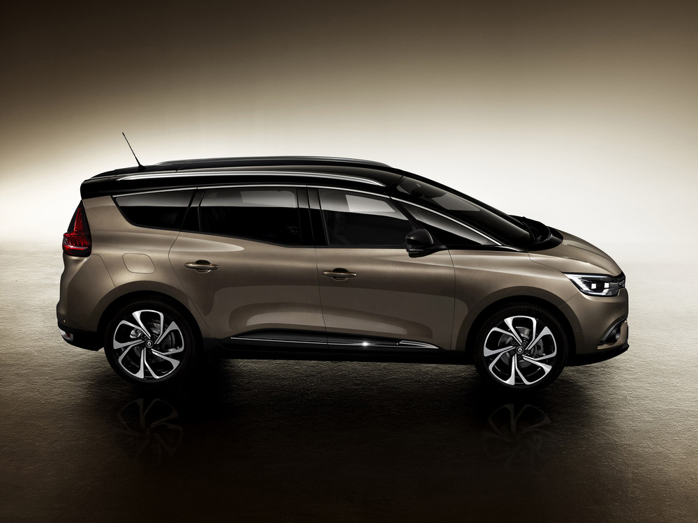 Renault-Grand-Scenic-(7).jpg