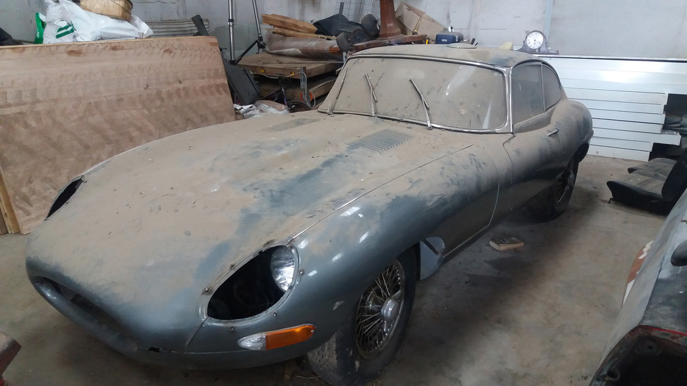 1963 Jaguar E-Type 3.8 Series I Fixedhead Coupe.jpg