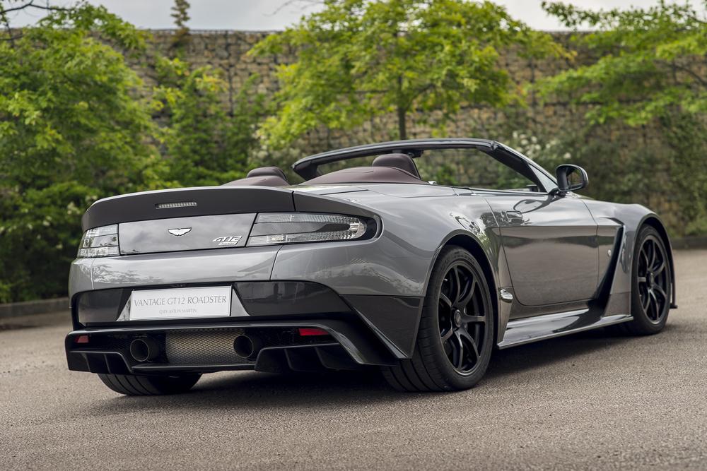 Vantage GT12 Roadster_02.jpg
