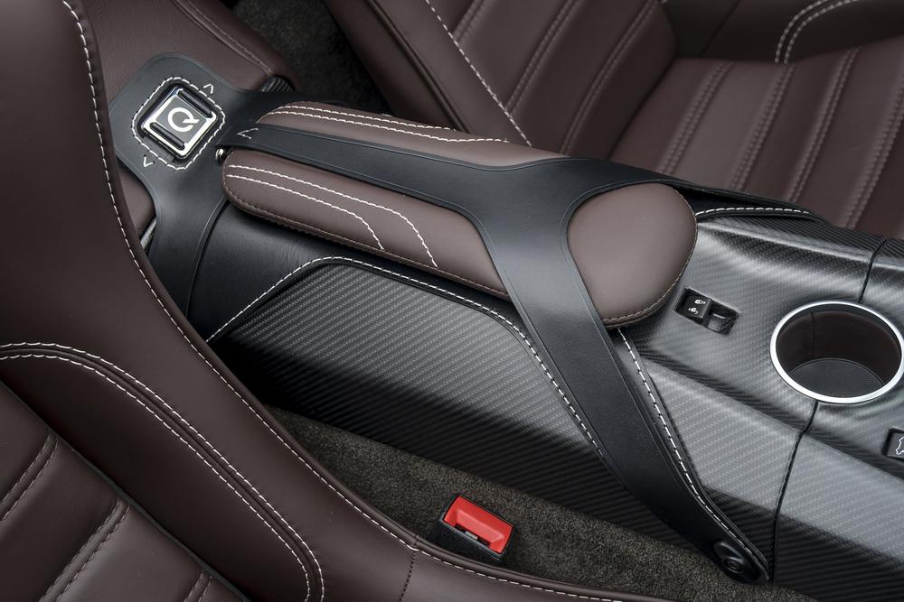 Vantage GT12 Roadster_16.jpg