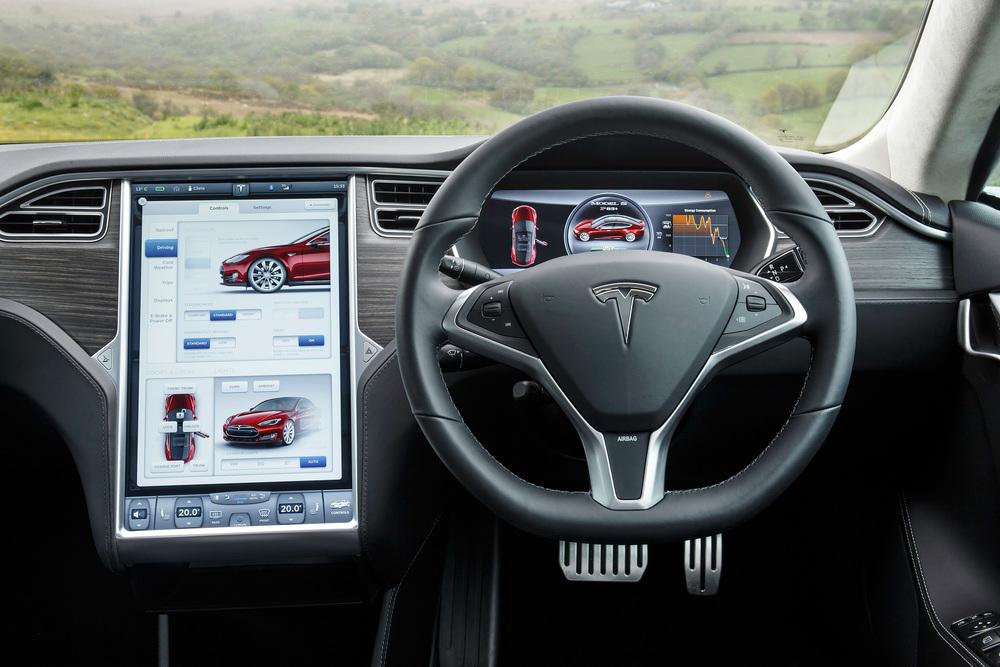 Tesla_Wales_May2014_1471.jpg