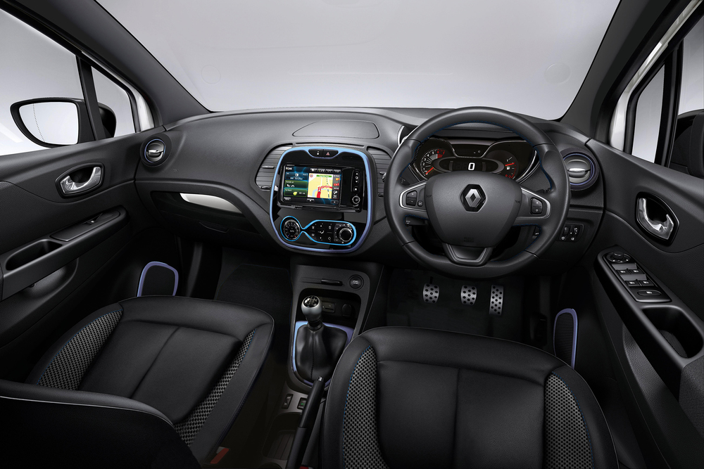 Renault_Captur_Iconic_Nav_Special_Edition_010716_(4).jpg