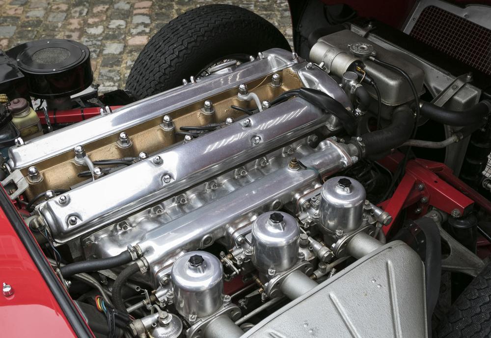 6. Jaguar E-type Roadster engine.jpg