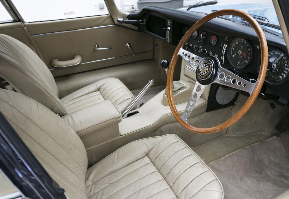 7. Jaguar E-type FHC driver-seat.jpg