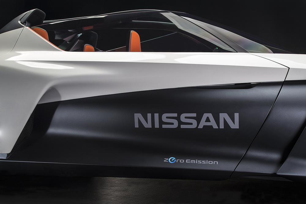 Nissan_BladeGlider_12.jpg