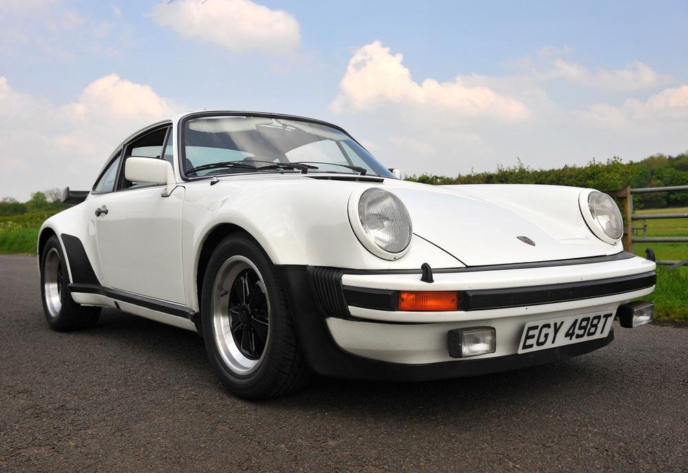 Porsche-911-930.jpg