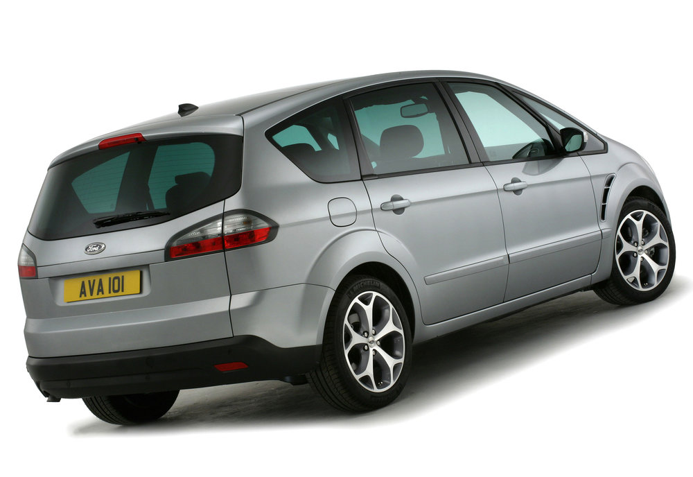 Ford S-Max -13.jpg