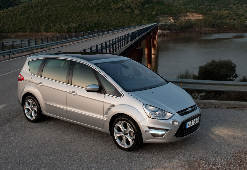 Ford S-Max -14.jpg