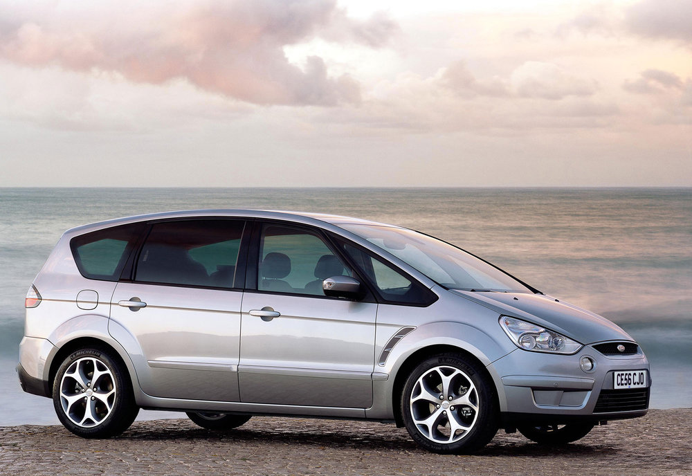 Ford S-Max -04.jpg
