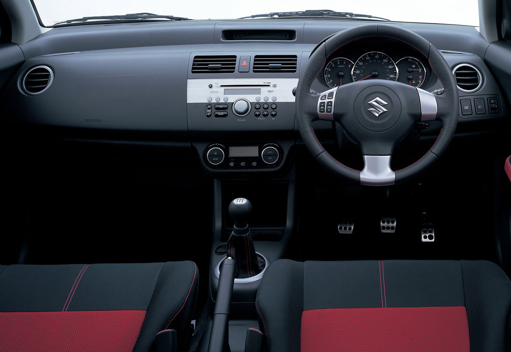 Suzuki Swift -06.jpg