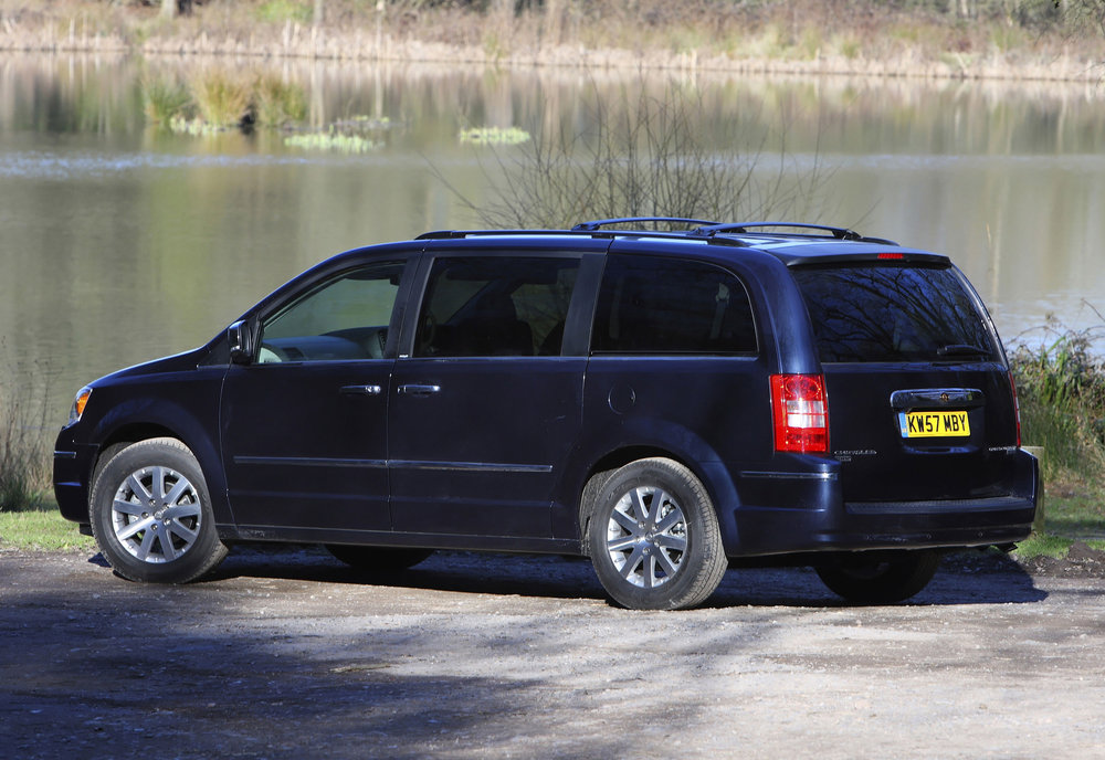 Chrysler Grand Voyager 09.jpg