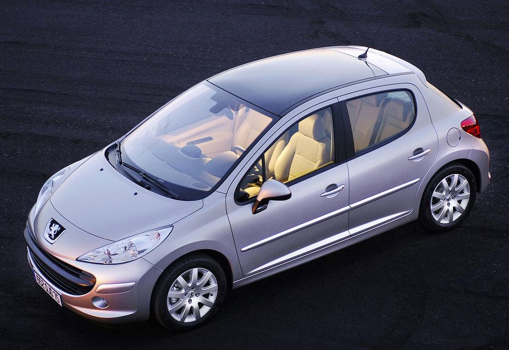 Peugeot 207 01.jpg