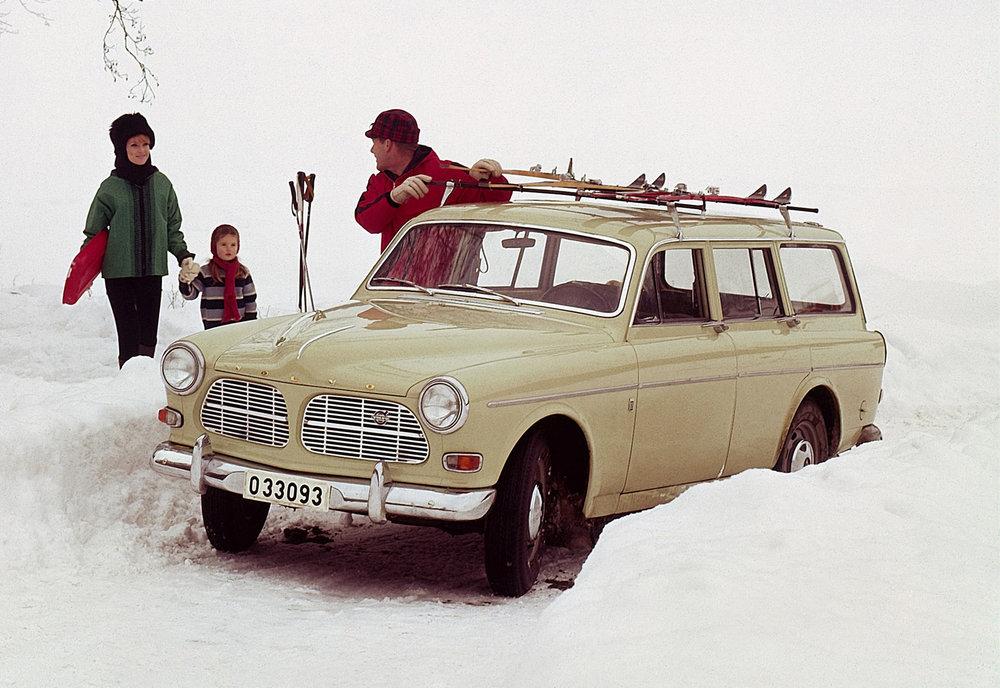 5735_Volvo_P220_Amazon.jpg