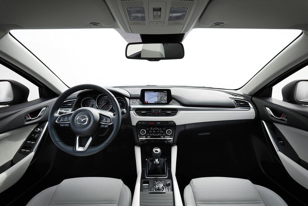 2017 Mazda6_Interior (2).jpg