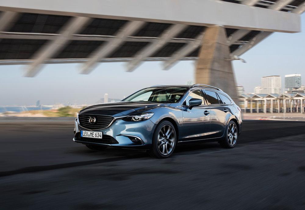 2017 Mazda6_WGN_Action (4).jpg
