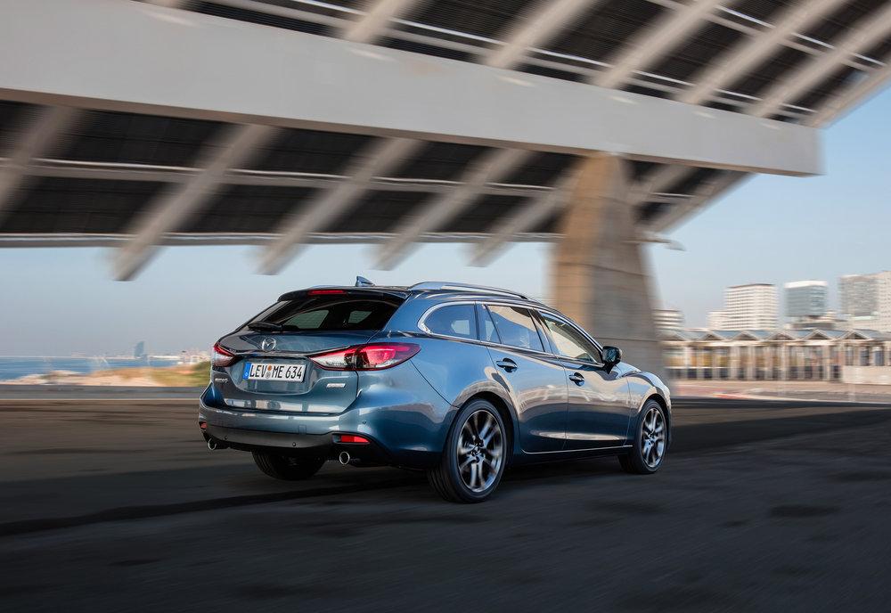 2017 Mazda6_WGN_Action (9).jpg