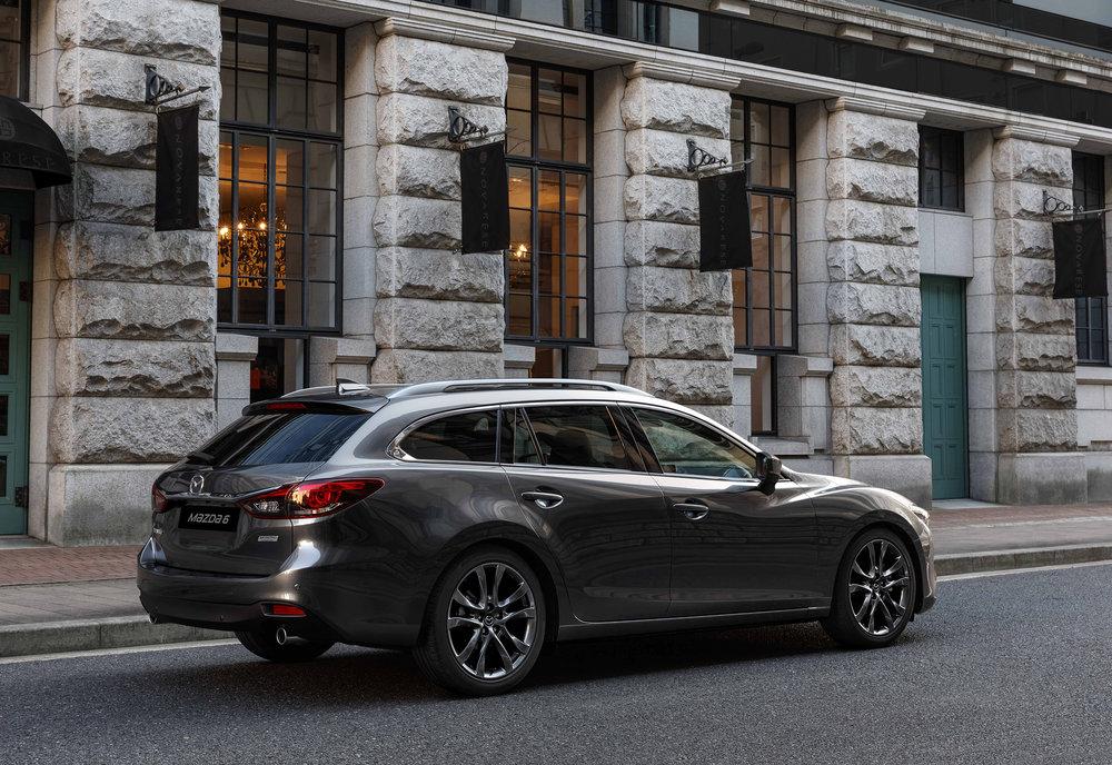 2017 Mazda6_WGN_Action (15).jpg
