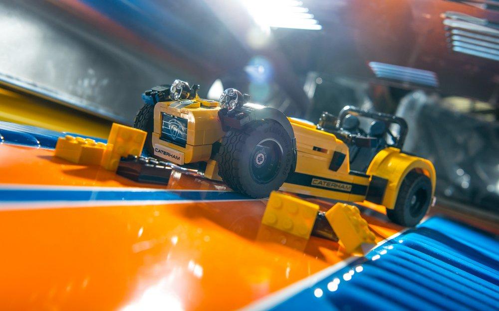 LEGO-Caterham-620R-(15).jpg