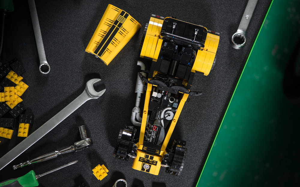 LEGO-Caterham-620R-(12).jpg