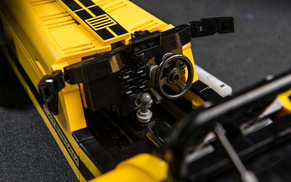 LEGO-Caterham-620R-(20).jpg