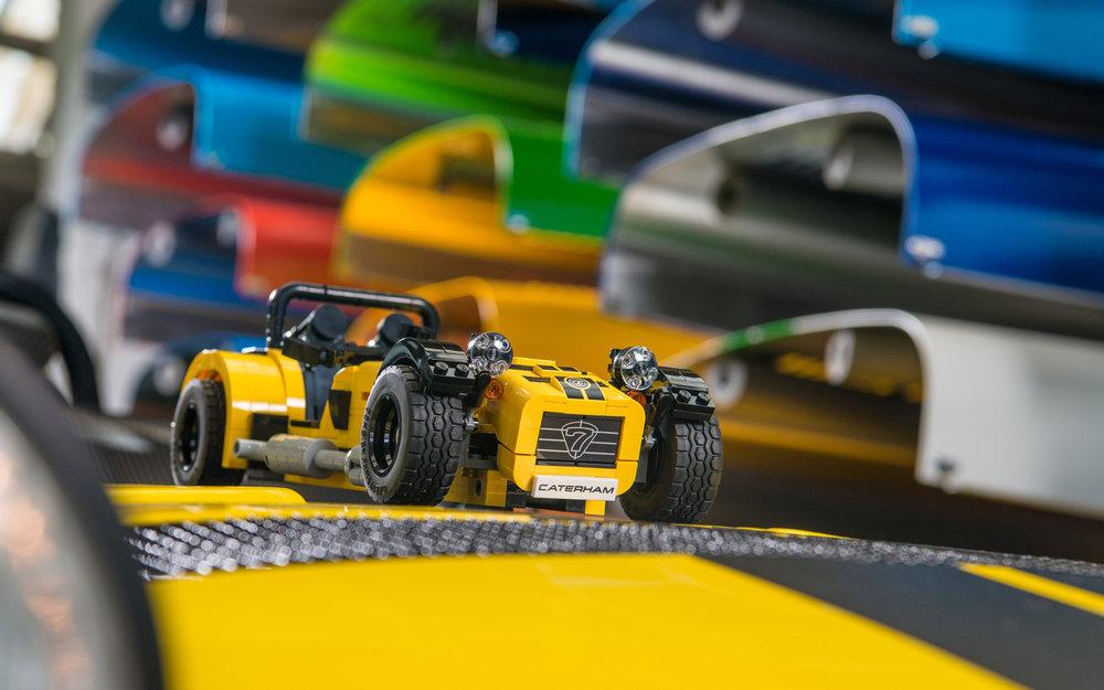 LEGO-Caterham-620R-(4).jpg