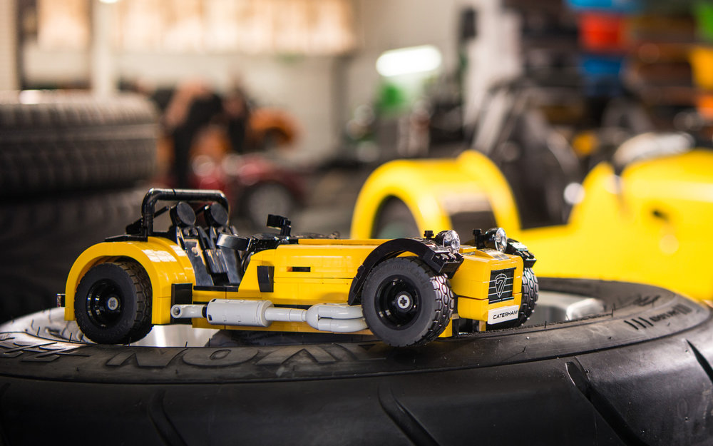LEGO-Caterham-620R-2b.jpg