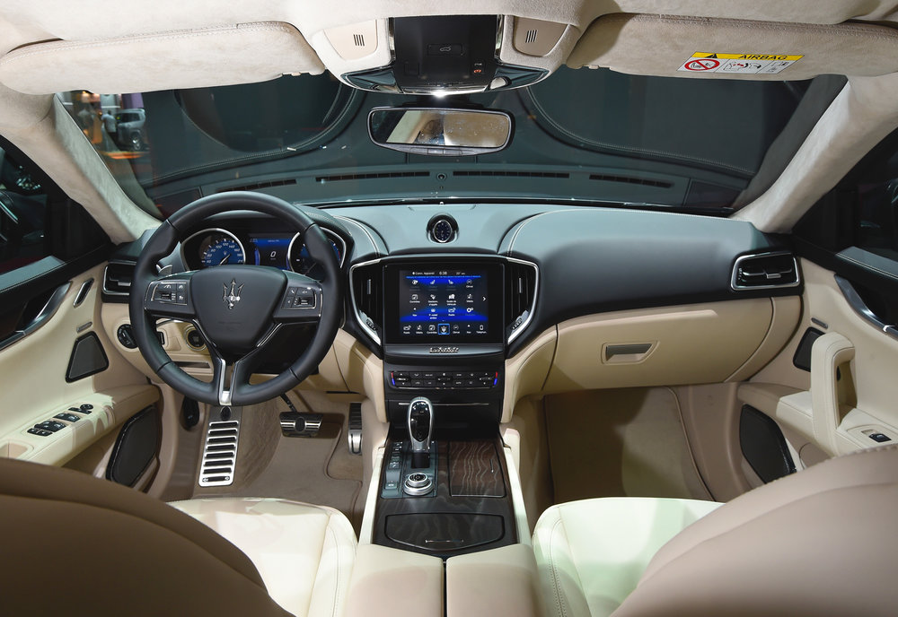 05_MaseratiParis-MS_Ghibli-interior_2016.jpg