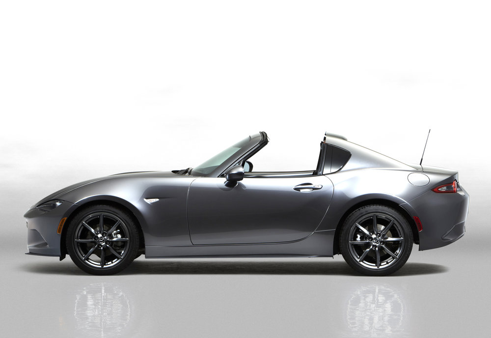 3Mazda_MX-5RF_showmodel_Side_open_white-(2).jpg